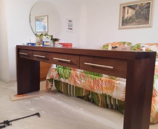 4 Drawer Console Table In Walnut