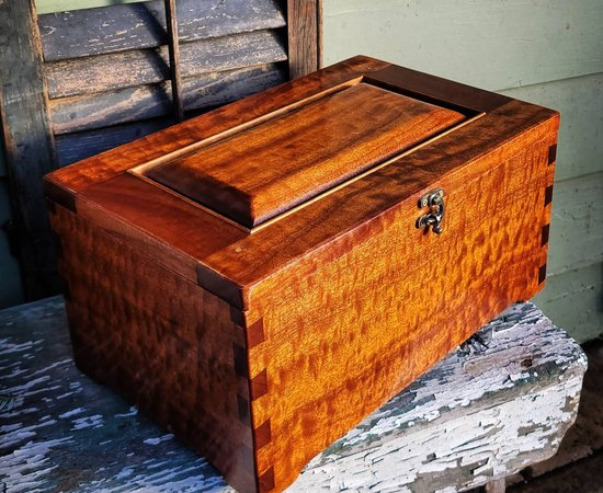 Pair of Keepsake Boxes in Pomelle Figured Sapele