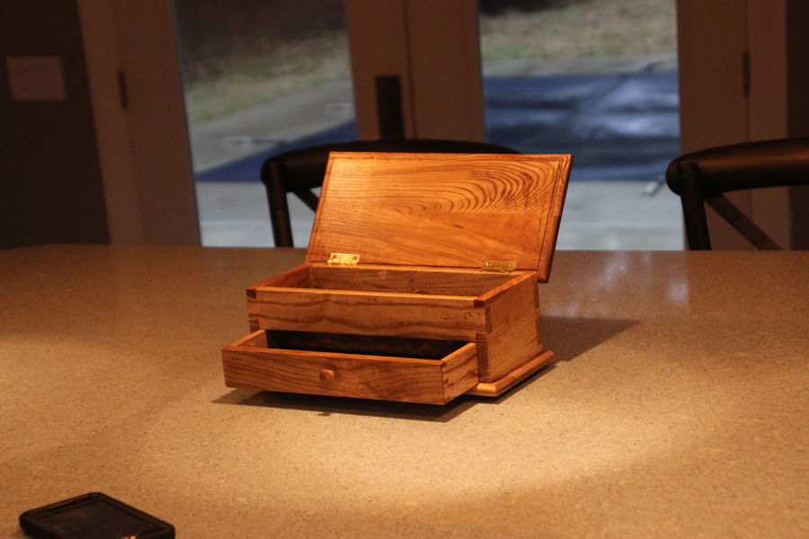 Photo of Paul Sellers keepsake box