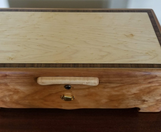 Music/Jewelry Box With Sankyo 50 Note Movement In Cherry