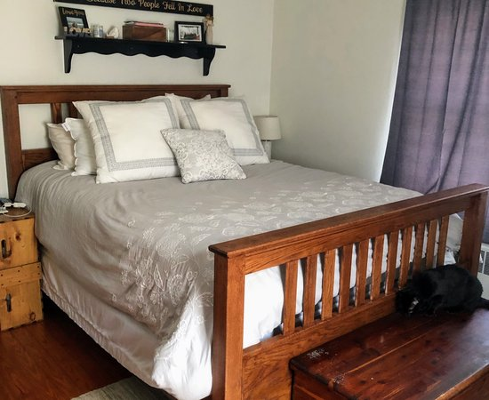 Rustic Mission Style Bed