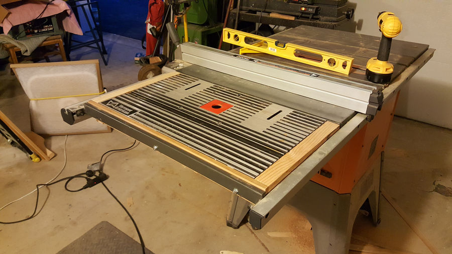 Router table insert for r4512 table saw by tmbridge simplecove router fence mounted or rely on the table saw fence when using bits wo bearings the built in dust collection w the split fence is hard to give up greentooth