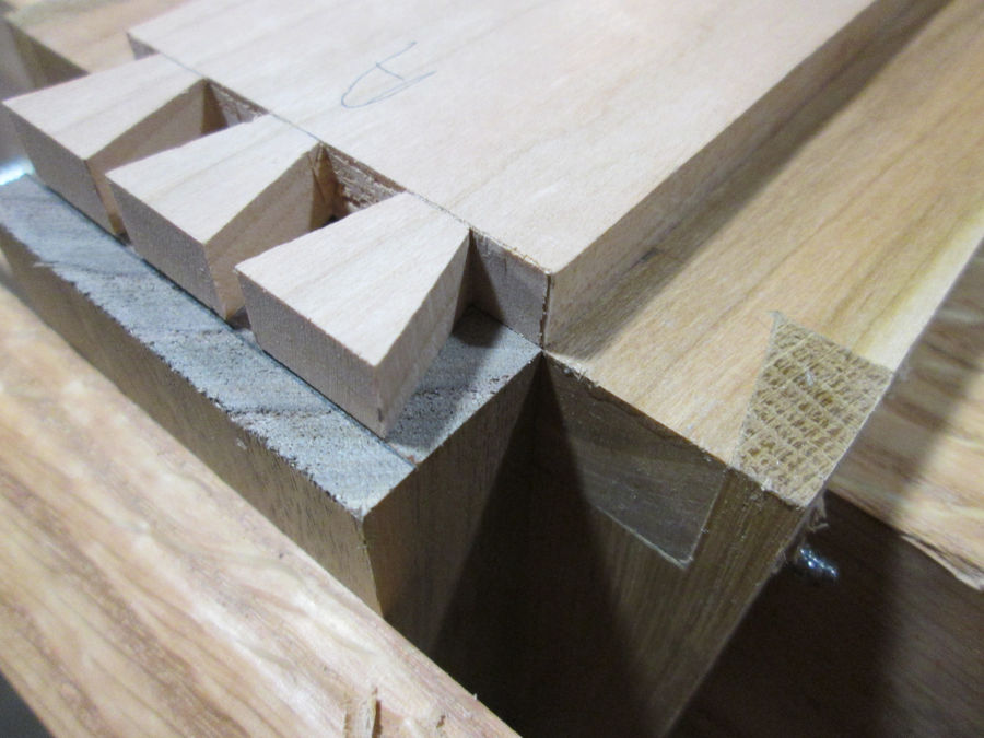 Photo of Monday Woodworking 101 - Hand Cutting Half Blind Dovetails