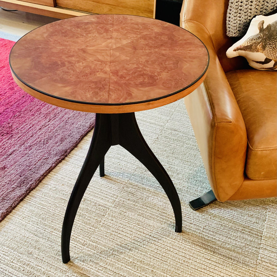 Photo of Contemporary Round Table