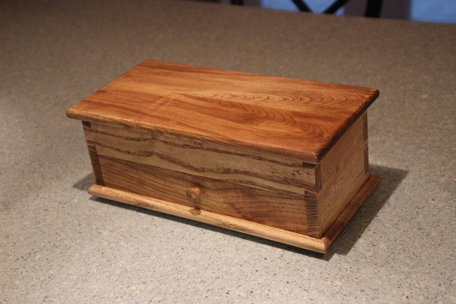 Photo of Paul Sellers keepsake box