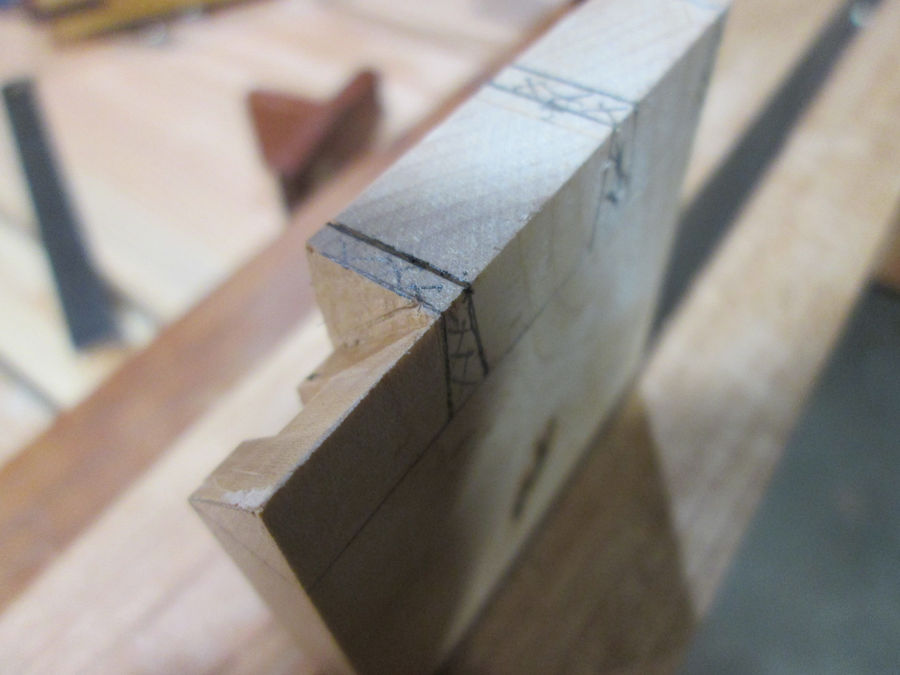 Photo of Monday Woodworking 101 - Mitered Dovetail