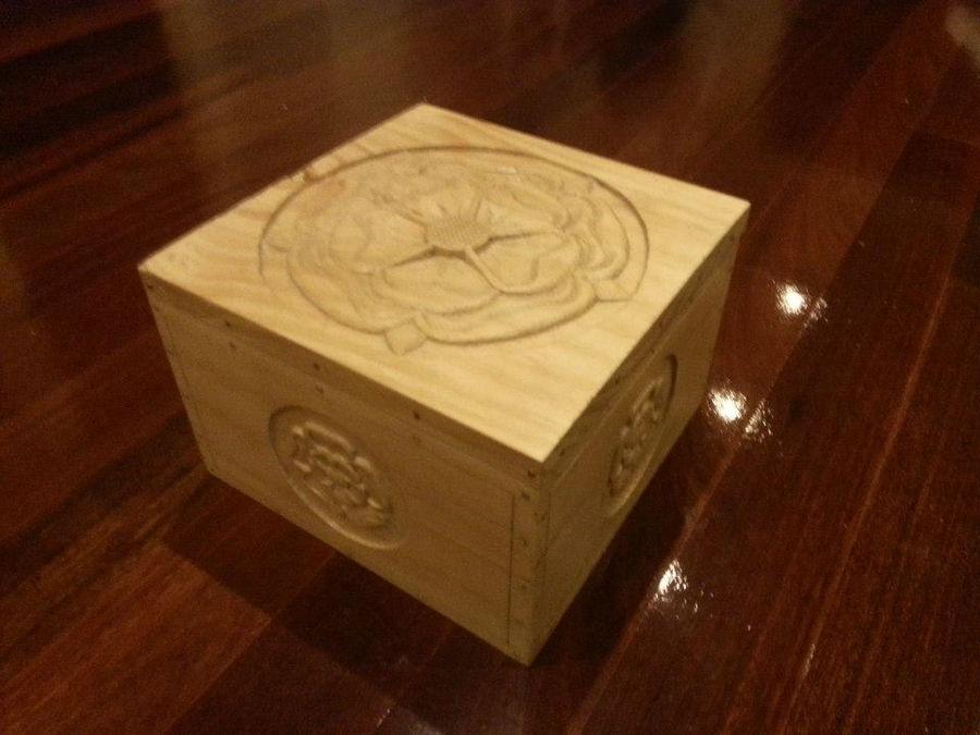 Photo of Tudor Rose Box